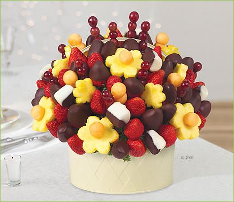 cikolatali-muzlarla-cilek-buketi (1)