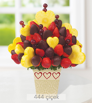 cikolatali-cileklerle-kalpler-cilekler